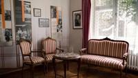 Atas jasanya, Sugihara dibuatkan museum di kota Kaunas, Lithuania untuk mengenang peristiwa heroik itu. Tanpa visa transit yang diterbitkan Sugihara, barangkali 6.000 pengungsi Yahudi tadi sudah kehilangan hidupnya di tangan NAZI. (AP)