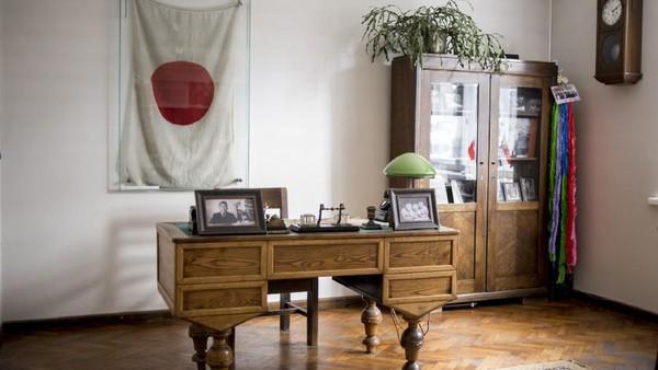 Inilah Museum Chiune Sugihara yang berada di Lithuania. Sugihara sendiri adalah diplomat berkebangsaan Jepang. Lantas mengapa orang Jepang bisa dibuatkan museum di Lithuania? (AP)