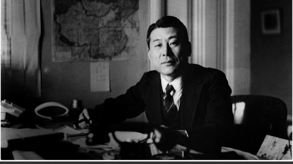 Di tahun 1939-1940, Chiune Sugihara menjabat sebagai Konsulat Jenderal (Konjen) Jepang yang bertugas di Kaunas, Lithuania. Sugihara setuju untuk menerbitkan visa transit untuk 6.000 orang pengungsi Yahudi dari Polandia yang ingin meninggalkan Lithuania dan lari dari kejaran NAZI. (AP)