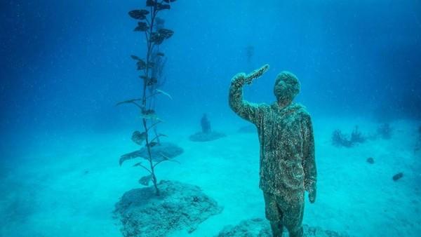 Ini merupakan instalasi MOUA terbesar dan bagunan bawah laut pertama yang dibuat oleh Jason deCaires Taylor (MOUA/instagram)