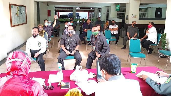 pengadilan negeri surabaya jalani rapid test usai mudik idul adha