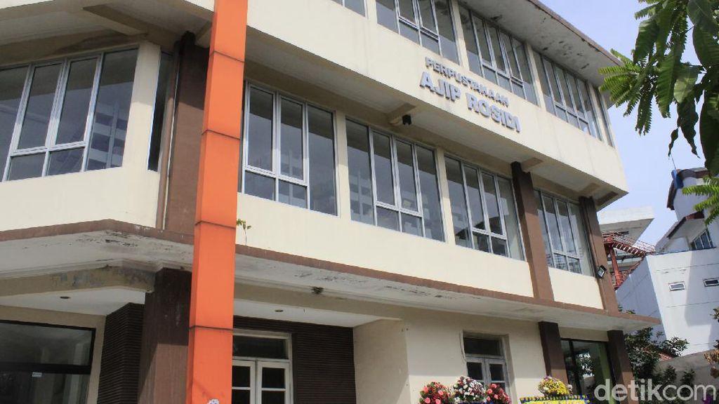 Perpustakaan Ajip Rosidi di Bandung, Warisan Sang Guru Tanpa Ijazah