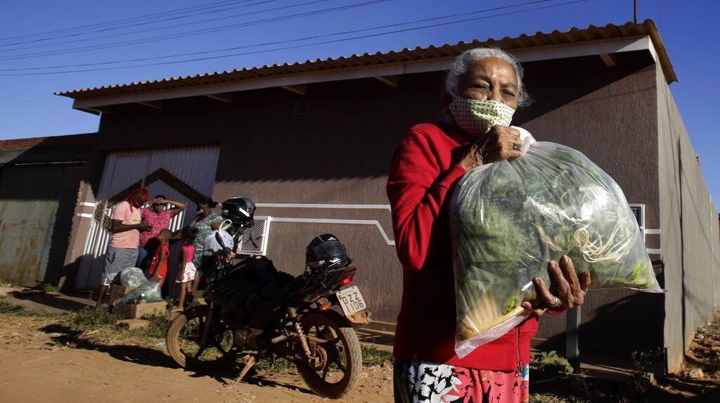 Mengintip Kegiatan Bagi-Bagi Produk Pertanian di Brasil