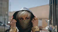 Gaya Agnez Mo Pakai Masker Rp 10 Juta di Video Fuckin Boyfriend yang Trending