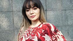 Dinar Candy Resmi Dipolisikan soal Aksi Berbikini di Jalanan