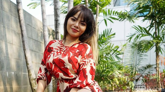 Usai Operasi Payudara, Dinar Candy Ngebet Hamil Lihat Katy Perry