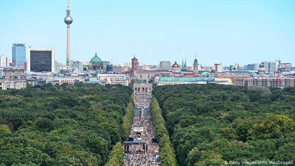 Protes Corona Jerman Picu Perdebatan Hak Kebebasan dan Keselamatan Publik