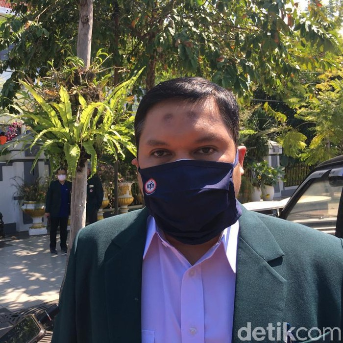 Sebanyak 21 SMP di Surabaya akan kembali menggelar sekolah tatap muka. Bagaimana tanggapan IDI Surabaya?