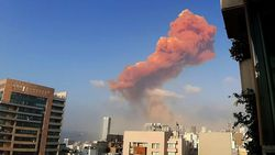 Detik-detik Ledakan Dahsyat di Lebanon: Asap Oranye hingga Berbentuk Jamur