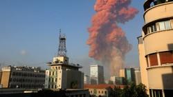 Ledakan Besar di Beirut, Asap Membubung Bentuk Awan Jamur
