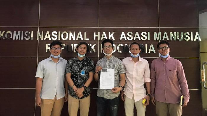 Mahasiswa Unnes mengadukan Mendikbud Nadiem Makarim ke Komnas HAM.