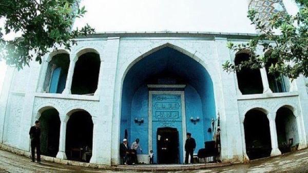 Adalah Masjid Jami Agdam atau Agdam Mosque, sebuah masjid bersejarah dari abad ke-19 di Kota Agdam, Azerbaijan yang bernasib buruk (Pool)