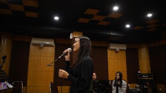 Mengintip Mawar de Jongh Latihan untuk Konser Virtual