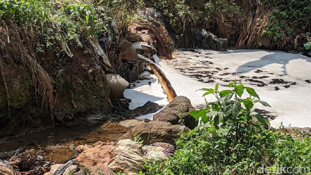 Pencemaran Air Lindi di Sungai Cipicung Jadi Tanggung Jawab Pemprov Jabar