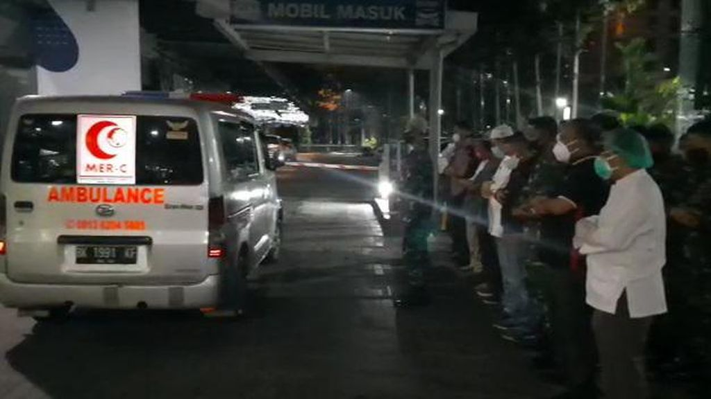 MUI Nilai Tak Ada Masalah Jenazah Pasien Corona di Ambulans Saat Disalatkan
