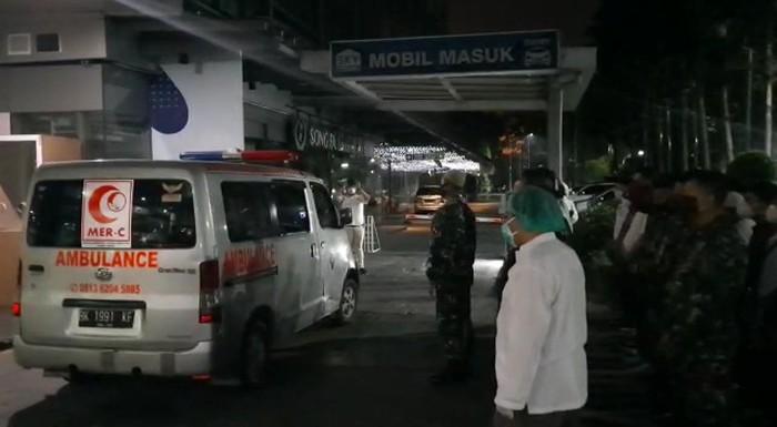 Salat jenazah dokter yang wafat di Medan (dok. Istimewa)