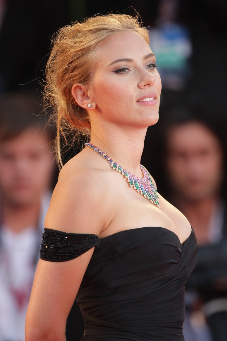 VENICE, ITALY - SEPTEMBER 03:  Actress Scarlett Johansson attends Under The Skin Premiere during the 70th Venice International Film Festival at Palazzo del Cinema on September 3, 2013 in Venice, Italy.  (Photo by Georges De Keerle/Getty Images)