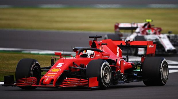 NORTHAMPTON, ENGLAND - AUGUST 02: Sebastian Vettel of Germany driving the (5) Scuderia Ferrari SF1000 on track during the F1 Grand Prix of Great Britain at Silverstone on August 02, 2020 in Northampton, England. (Photo by Bryn Lennon/Getty Images)