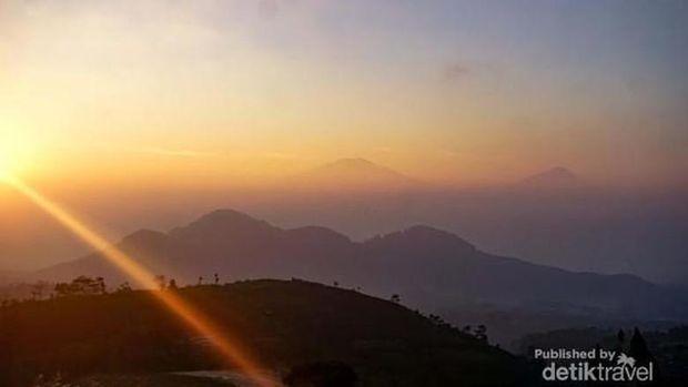 Sunrise di Silancur Highland Magelang (Foto: Abid Nur Wibisono/d'Traveler via detikcom)