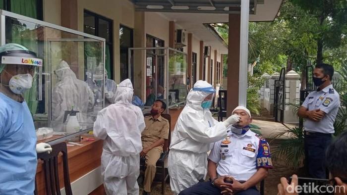 Tes Swab Petugas Dishub Kabupaten Cirebon