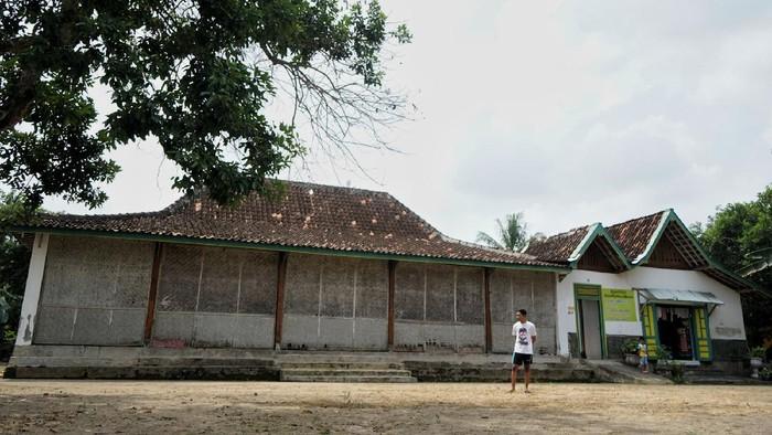 Bangunan cagar budaya di Sleman, Yogyakarta, terancam tergusur. Bangunan berusia 50 tahun itu terancam tergusur oleh pembangunan ruas jalan tol Yogyakarta-Bawen
