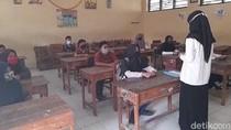 Banyak Murid Tak Punya HP, SMP di Brebes Gelar Sekolah Tatap Muka