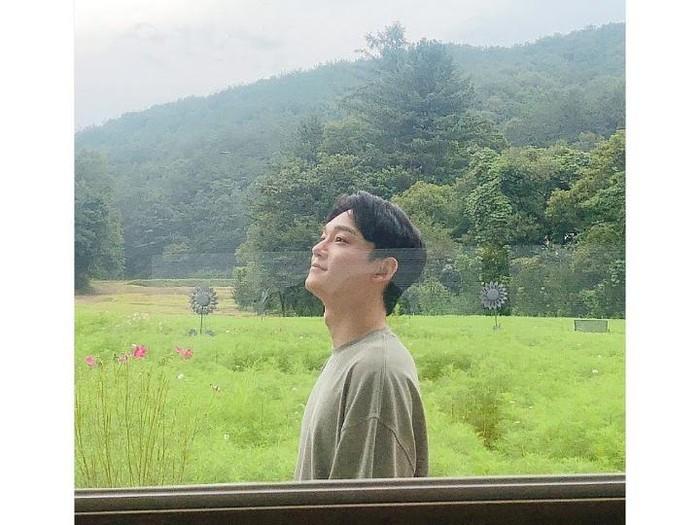 Chen ucapkan selamat ulang tahun untuk EXO-L