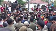 Ratusan Pekerja Seni di Banyuwangi Tuntut Acara Hajatan Dibuka Kembali