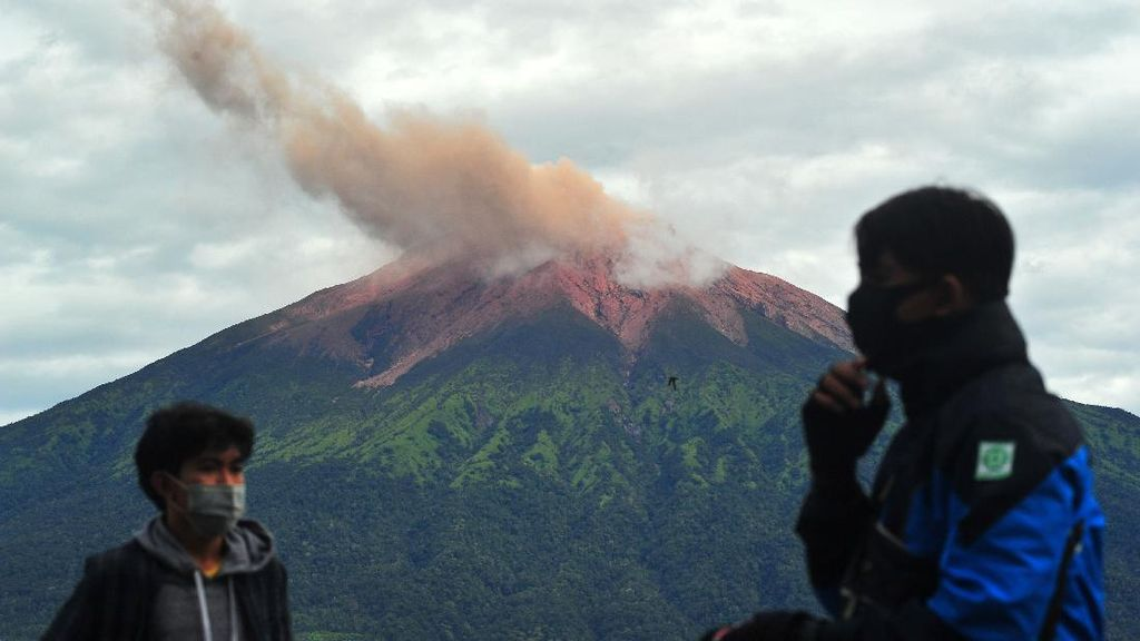 Gempa Embusan Kembali Terjadi di Gunung Kerinci