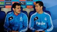 Iker Casillas Pensiun, Dua Rekornya Ini Lagi Dibidik Cristiano Ronaldo