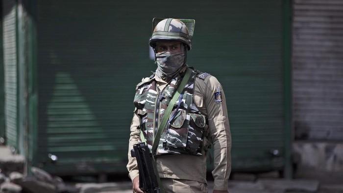 India lakukan perbatasan dan jam malam di wilayah Kashmir