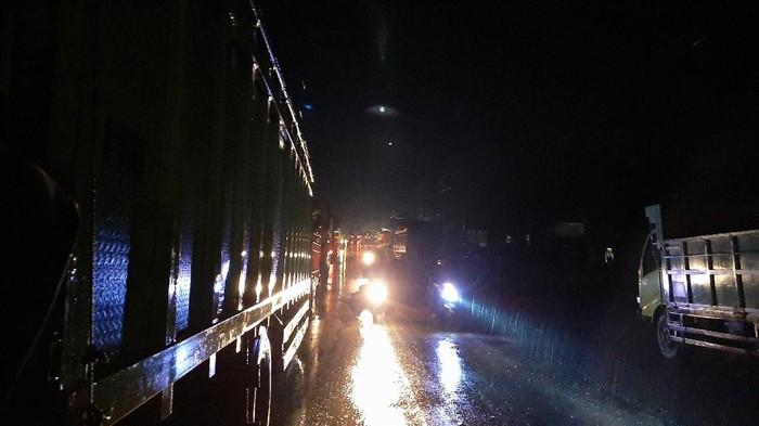 Kecelakaan truk muatan LPG di Musi Banyuasin, Lintas Timur Sumatera, Sumsel
