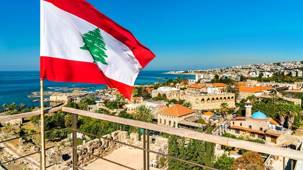 Kota tertua selanjutnya yang berasal dari Lebanon ini adalah Byblos. Bagi pecinta sejarah, kota ini menawarkan berbagai situs yang dapat menarik perhatian. Ada bukti yang mengatakan bahwa Byblos didirikan sejak 7.000 tahun yang lalu dan masih beroperasi hingga saat ini (Getty Images/iStockphoto/Leonid Andronov)