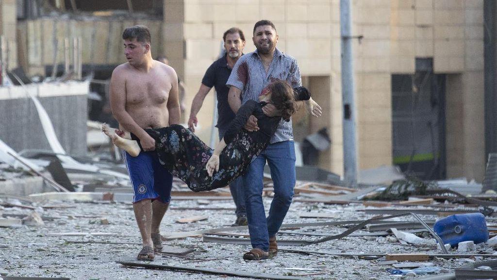 Kepanikan dan Evakuasi Korban Ledakan di Libanon