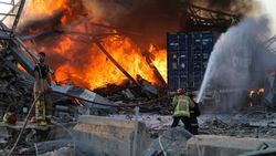 Ledakan Besar di Beirut Terasa hingga ke Siprus