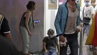 Ledakan besar di Beirut disebut berawal dari kebakaranhebat di sebuah gudang petasan dekat pelabuhan.(AFP/STR)