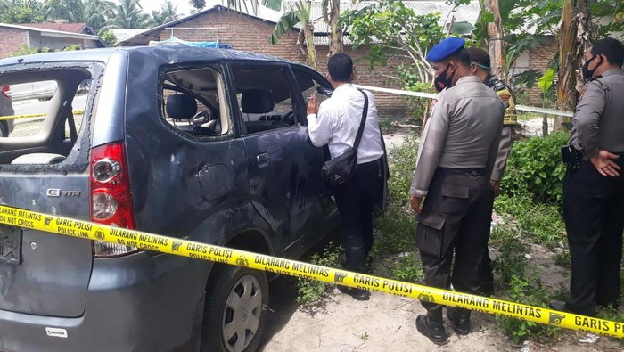 Mobil BNNK Deli Serdang dirusak warga (dok. Istimewa)