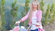 Serba Pink! Gaya Gowes Paris Hilton
