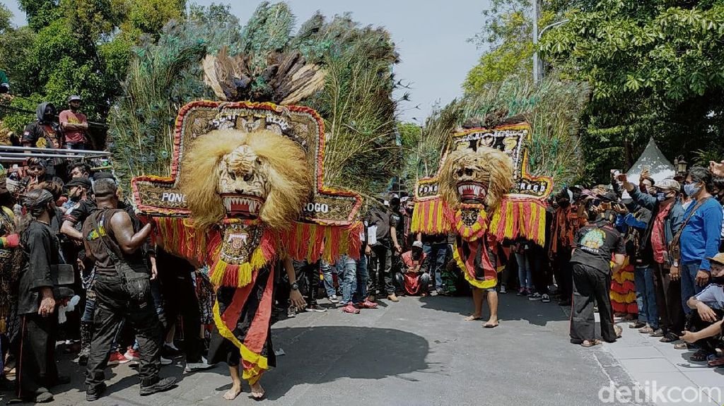 Balai Kota Surabaya Jadi Ajang Goyang Seni, Mulai Reog Hingga Barongan
