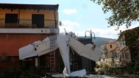 Pesawat Tabrak Kedai Kopi di Yunani, Pilotnya Baru Umur 19 Tahun