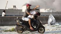 Potret Korban Ledakan Lebanon Dievakuasi dengan Sepeda Motor