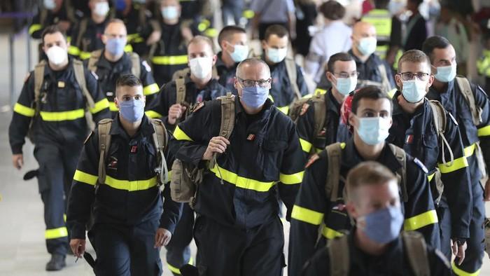 Bantuan internasional dari berbagai negara terus mengalir untuk pemulihan ledakan di Lebanon. Prancis mengirimkan relawan dan tenaga medis.