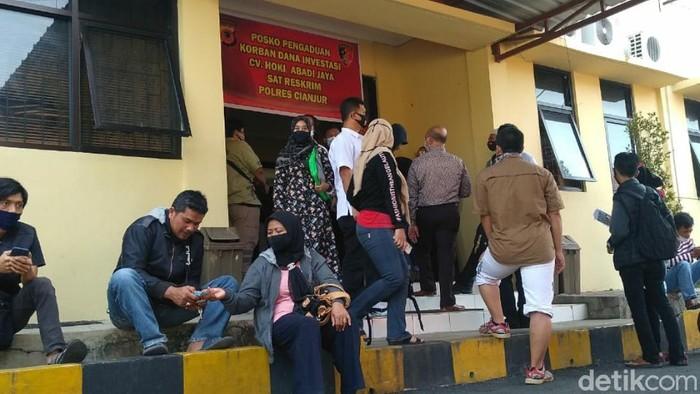 Ratusan orang yang menjadi korban penipuan paket kurban Cianjur melapor.
