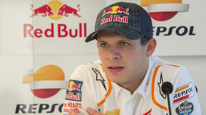 BRNO, CZECH REPUBLIC - AUGUST 02:  Stefan Bradl of Germany and Honda Team speaks with journalists in hospitality during the MotoGp of Czech Republic - Free Practice at Brno Circuit on August 02, 2019 in Brno, Czech Republic. (Photo by Mirco Lazzari gp/Getty Images)