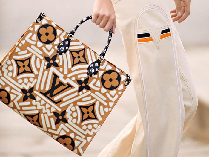 Tas Batik Louis Vuitton
