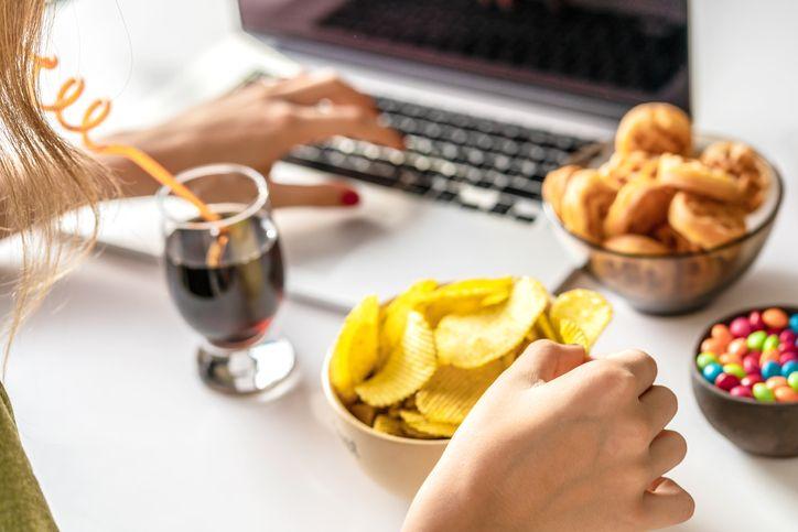 5 Kebiasaan Makan Ini Bisa Perlemah Daya Tahan Tubuh