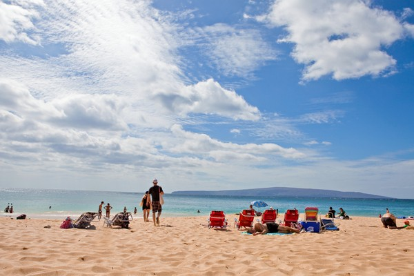 Tempat untuk kayak selanjutnya yang tak kalah indah adalah Pantai Makena, di pantai selatan Maui. Di sini, kamu akan dimanjakan dengan serangkaian formasi lava bawah air dari gunung berapi bawah laut yang merupakan rumah ideal untuk penyu hijau. (iStock)