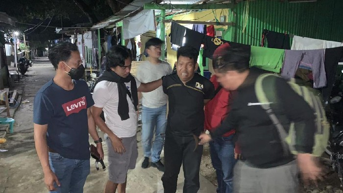 Anwar (47), pencuri mobil di Kabupaten Sidrap, Sulsel yang buron sejak 2016 silam ditangkap di Makassar usai kabur ke Kalimantan Timur (dok. Istimewa).
