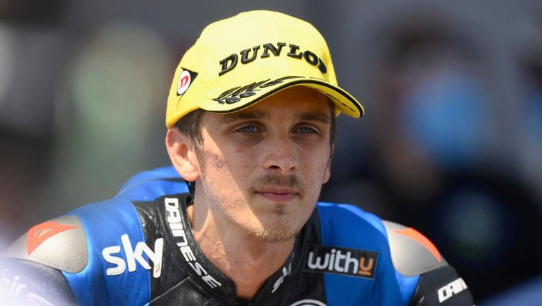 JEREZ DE LA FRONTERA, SPAIN - JULY 19: Luca Marini of Italy and Sky Racing Team VR46 speaks with journalists and celebrates the victory  at the end of the Moto2 race during the MotoGP of Spain - Race at Circuito de Jerez on July 19, 2020 in Jerez de la Frontera, Spain. (Photo by Mirco Lazzari gp/Getty Images)