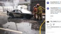 Duh Nyesek, Mazda RX-7 Hangus Terbakar Depan Gereja